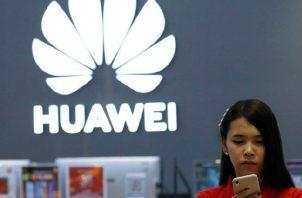 """Medios indican que  la restricción """"podría destruir"""" el mercado externo de Huawei. EFE"""
