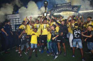 El CAI fue el plantel del recién pasado torneo con buena presentación en la Concachampions y anoche se coronó en la LPF. Foto: Anayansi Gamez
