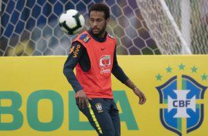 Neymar será titular para amistoso contra Catar. AP