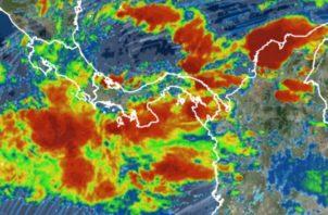 Paso de la onda tropical #2 azotará el país con fuertes lluvias y ráfagas de vientos. Foto: Panamá América.