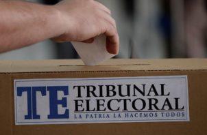 El pueblo rechazó por lo menos a unos 35 diputados que aspiraban a la reelección. Foto Ilustrativa
