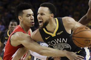 Stephen Curry recordó el espíritu guerrero de su equipo. AP