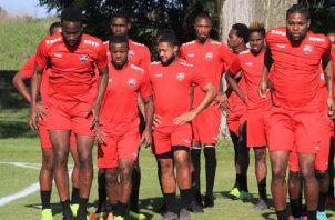 Trinidad y Tobago se prepara para el duelo de mañana.
