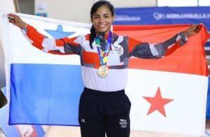 Kristine Jiménez con la medalla de bornce en los Juegos Panamericanos. Cop
