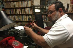 La invasión no dejó ninguna enseñanza al panameño, afirma el poeta Héctor Collado. Juan Carlos Lamboglia