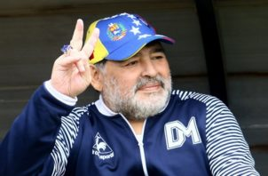 Maradona lo pensó mejor.