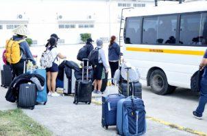 Tras manifestaciones de los residentes de Pacora, los estudiantes fueron trasladados a la sede del Sinaproc en Howard CORTESÍA