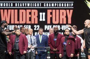 Deontay Wilder y Tyson Fury en el pesaje.Foto: AP