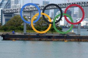 Los anillos olímpicos en el distrito Odaiba de Tokio, Japón.Foto: AP