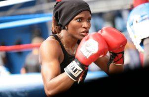 Atheyna Bylon de boxeo aficionado. Foto: Anayansi Gamez