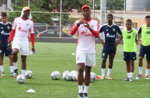 La Sub-20 se encontraba dirigida por el técnico Julio Dely Valdés. Foto:Fepafut