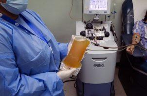 Cerca de 100 panameños, hasta el momento, han acudido al llamado de donar sangre para este experimento.