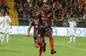 Adolfo Machado defensa central de la Liga Alajuelense. Foto:@ldacr