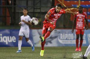 El panameño Jorman Aguilar juega en San Carlos que hoy recibe al Jicaral en el torneo tico. Foto:@adsancarlos