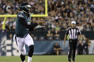Los equipos de la NFL buscan alternativa para volver a la actividad deportiva. Foto:AP