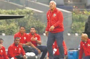 Américo 'Tolo' Gallego fue el último técnico de la selección mayor. Foto: Fepafut