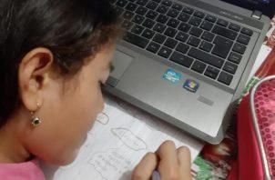 Unos 150 planteles educativos oficiales brindan las clases virtuales en medio de la pandemia de COVID-19.