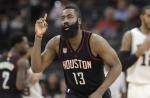 James Harden de los Rockets de Houston.
