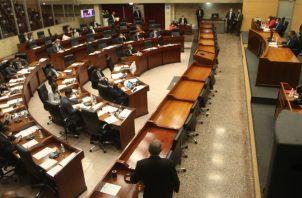 Dos diputados deben hacer su intervención hoy en la segunda vuelta de las sesiones extraordinarias. Víctor Arosemena