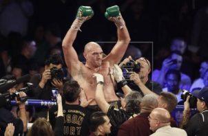 Fury, campeón de pesos pesados del CMB Foto:EFE