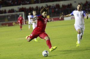 El capitán panameño Román Torres en un partido eliminatorio. Foto: Anayansi Gamez