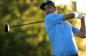 El estadounidense Brendon Todd es el nuevo líder del torneo Travelers Championship del PGA Tour. Foto: EFE