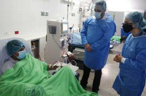 Los familiares del paciente aseguraron que al no aparecer como hospitalizado, al señor Vega no se le dio alimentación un día.