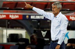 El técnico del FC Barcelona, Quique Setién. Foto:EFE