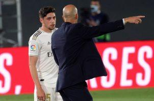 Zinedine Zidane recordó que la liga no está definida. EFE