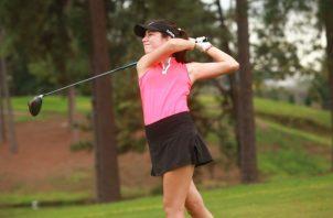 Carla Álvarez es una de las jugadoras juniors más destacadas del golf panameño. Anayansi Gamez