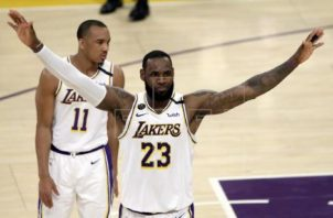 LeBron James fugura de los Lakers (23). Foto:EFE