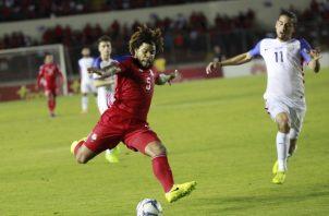 Román Torres capitán de la selección de Panamá en un partido contra Costa Rica Foto: Anayansi Gamez