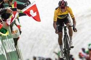 El colombiano Egan Bernal ganó el Tour de Francia. Foto:EFE