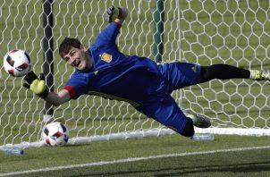 El portero Iker Casillas anunció su retirada del fútbol. Foto:EFE