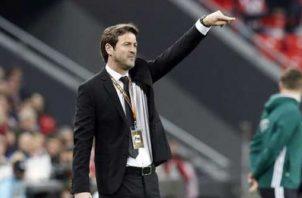 Thomas Christiansen terminó los puntos contractuales como nuevo técnico de Panamá. Foto:EFE