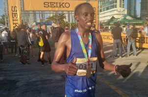Robert Gititu, ganador de la maratón pasada. Foto: Aurelio Martínez