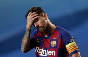 Leo Messi, busca de su salida del Barcelona. Foto:EFE