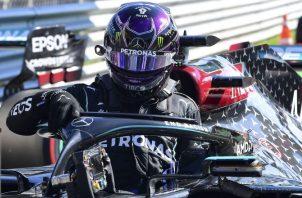 El británico saldrá de primero en el Gran Premio de Italia. Foto:EFE