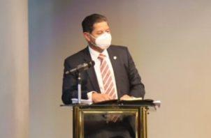 El representante de FCC, Isaac Figueroa, mostró una actitud desafiante.