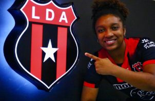 Marta Cox ficha para Alajuelense en el fútbol de Costa Rica. Foto:@ldacr