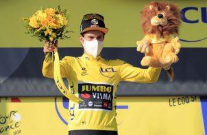 Primoz Roglic es el líder del Tour de Francia. Foto:EFE