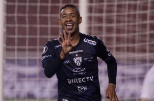 El panameño Gabriel 'Gaby' Torres festeja su gol ante Flamengo. Foto: EFE