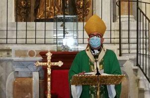Ulloa en eucaristía en la iglesia Santa María La Antigua. Foto: Iglesia Católica