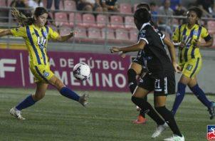 El fútbol femenino arrancará en noviembre. Foto:EFE
