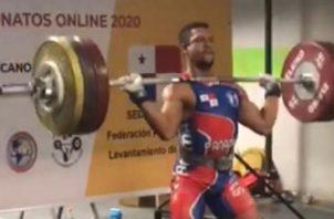 Juan Batista, con tres récords para las pesas nacional Foto: Cortesía