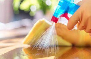 Se deben limpiar todos los lugares que toca el contagiado.