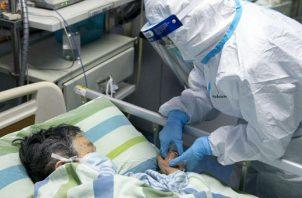Las situaciones en las salas de hospitalización y de UCI son muy difíciles paa el personal de salud.