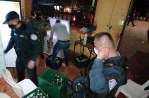 Cientos de detenidos por violar las normas sanitarias.
