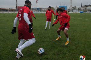 """Adalberto """"Coco"""" Carrasquilla (der.) en los entrenamientos de ayer de la selección. Foto:Fepafut"""