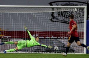 Ferrán Torres anota el quinto gol alemán ante Manuel Neuer.  Foto:EFE